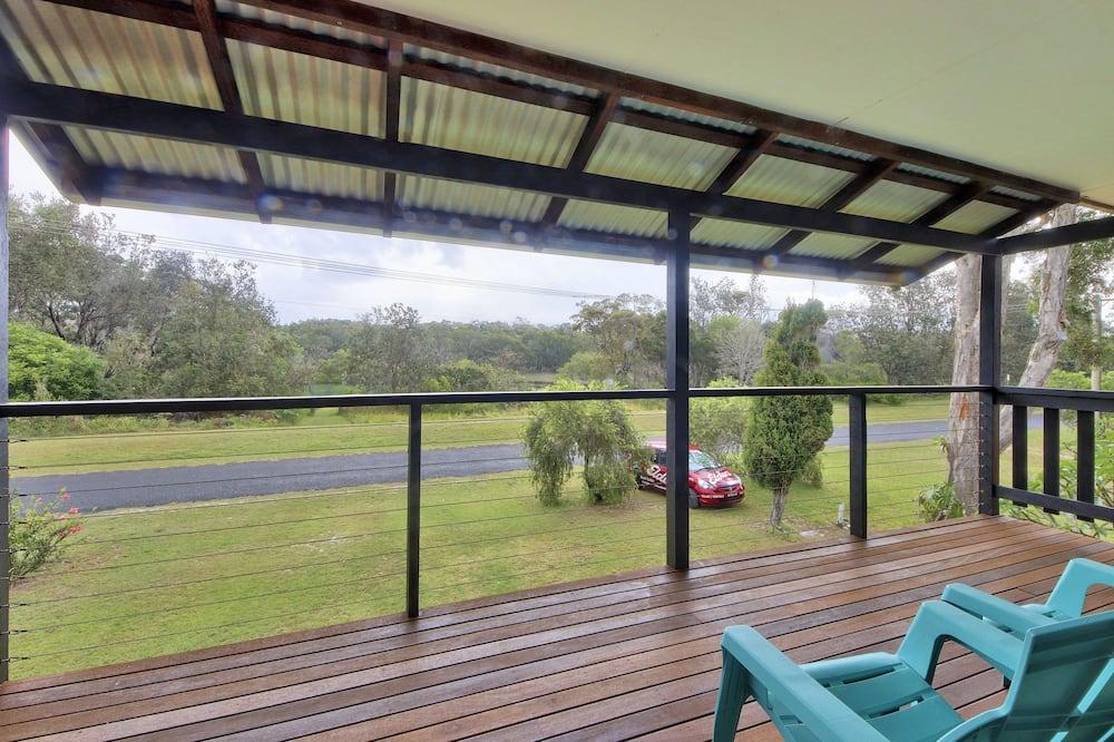 House, 5 Bedrooms, 2 Bathrooms - Terrace/Patio