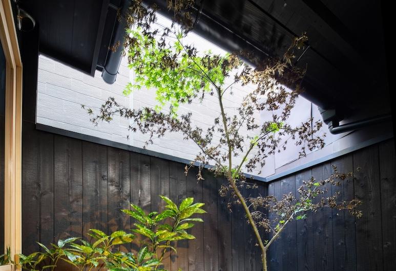 紡 七条堀川, 京都市, 庭園