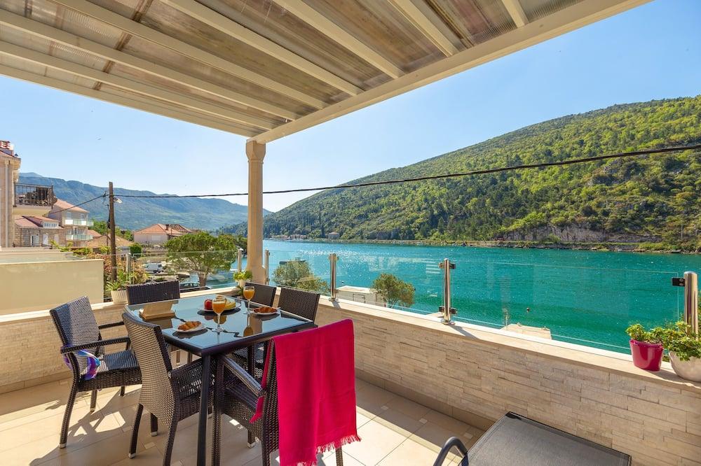 Apartamento conforto, Sacada, Vista para o rio (4 Bedrooms) - Imagem em destaque