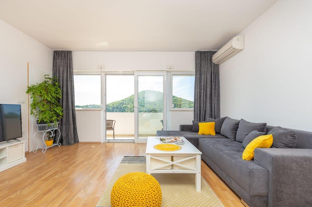 City apartman, erkély, kilátással a tengerre (2 Bedrooms) - Nappali rész