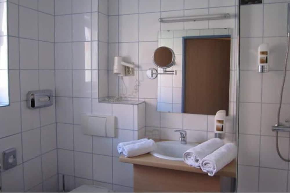Kamar Double, balkon - Kamar mandi