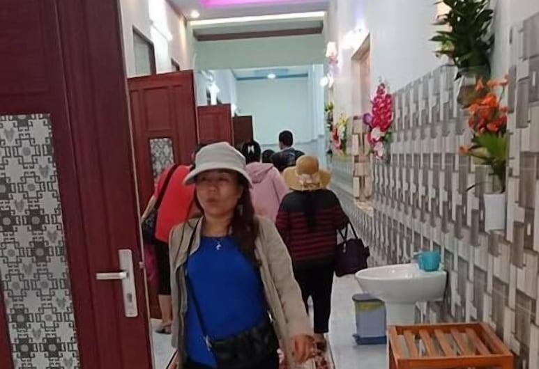 Nha Nghi Viet Sang, La Gi, Interior Entrance
