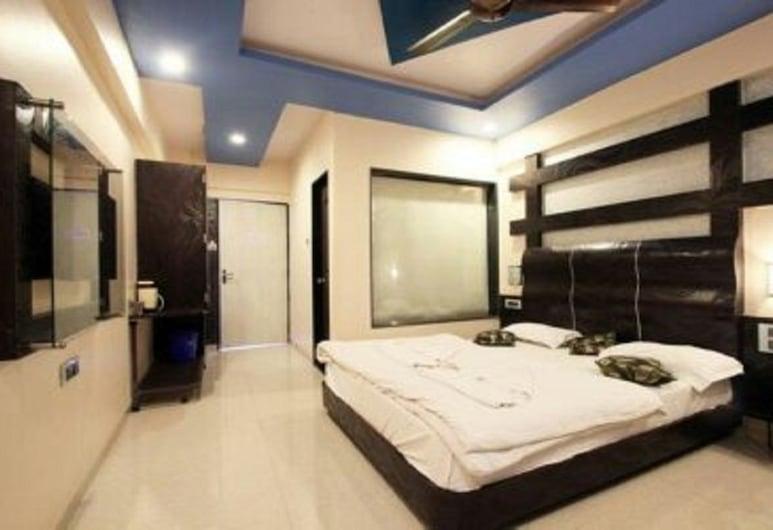 Hotel J Excellency, Mahabaleshwar, Deluxe Room, Guest Room