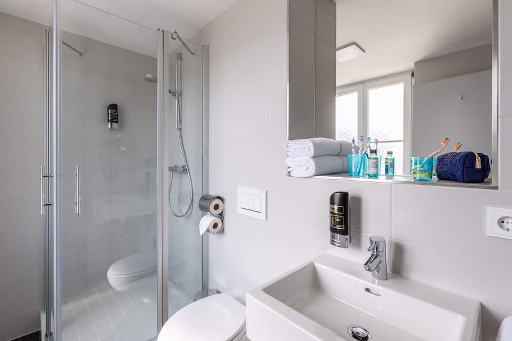 Standard Τετράκλινο Δωμάτιο - Μπάνιο