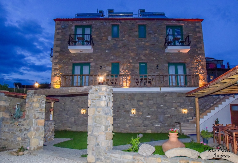 Petrada Imbros, Gökçeada, Otelin Önü