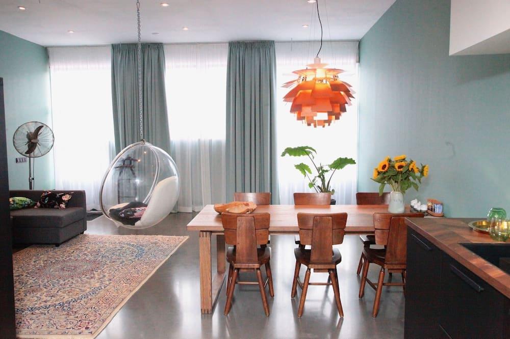 Design Stüdyo Süit - Odada Yemek Servisi