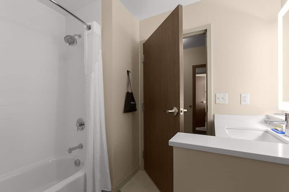 Suite, 2Queen-Betten - Badezimmer