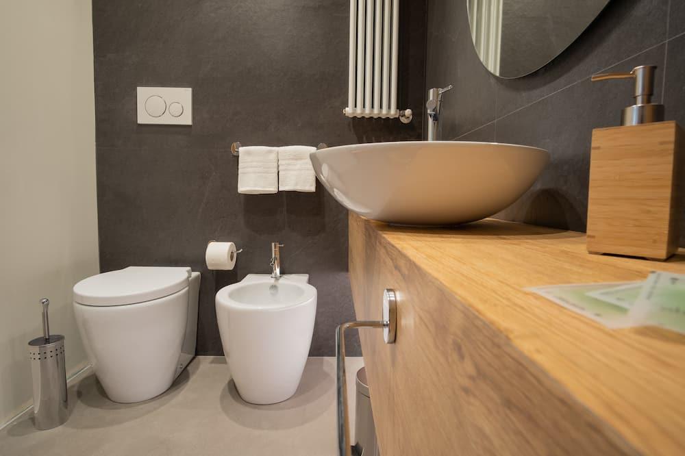 Comfort-Doppel- oder -Zweibettzimmer - Badezimmer