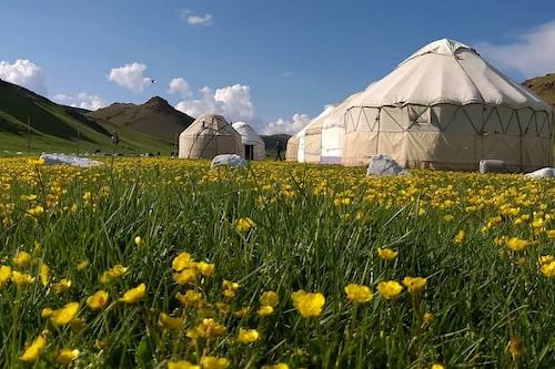 松克爾湖圓頂帳篷露營阿扎邁特酒店/
