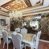Exclusive Apartment - In-Room Dining