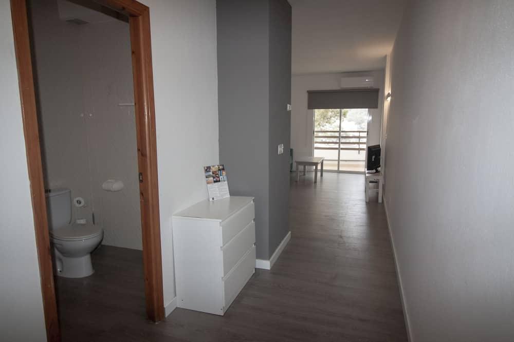 Apartment, 1 Bedroom, Sea View - Bathroom