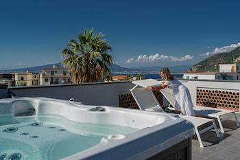 Picture of Don Giulio Luxury Rooms in Vico Equense