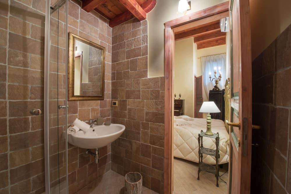 Tek Büyük Yataklı Oda (Silver) - Banyo