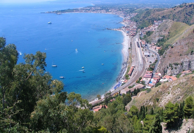 Apartment With 3 Bedrooms in Riposto, With Enclosed Garden and Wifi - 100 m From the Beach, Riposto, Beach