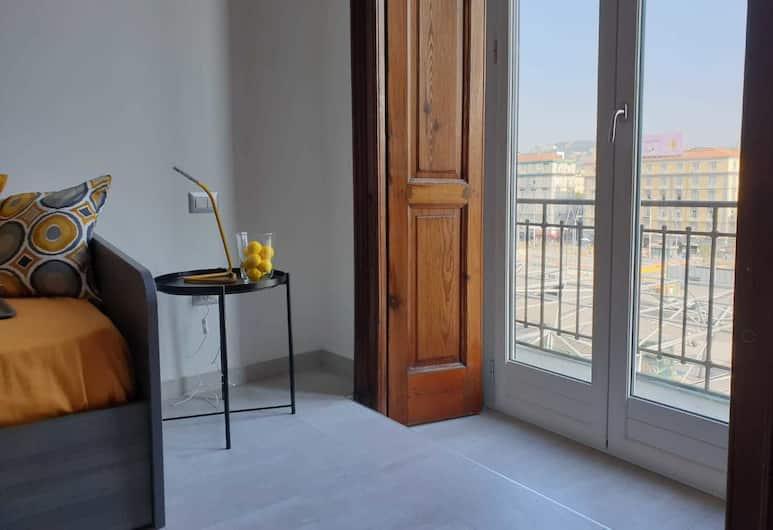 Bayard101, Napels, Deluxe driepersoonskamer, Uitzicht vanaf kamer