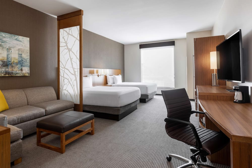 Room (2 Queenbeds & 1 Sofabed, High Floor) - Guest Room