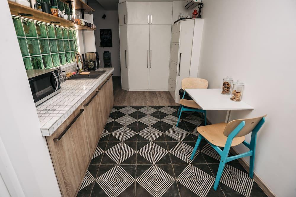 Κρεβάτι Ξενώνα, Μόνο για γυναίκες (6 beds) - Κοινόχρηστη κουζίνα