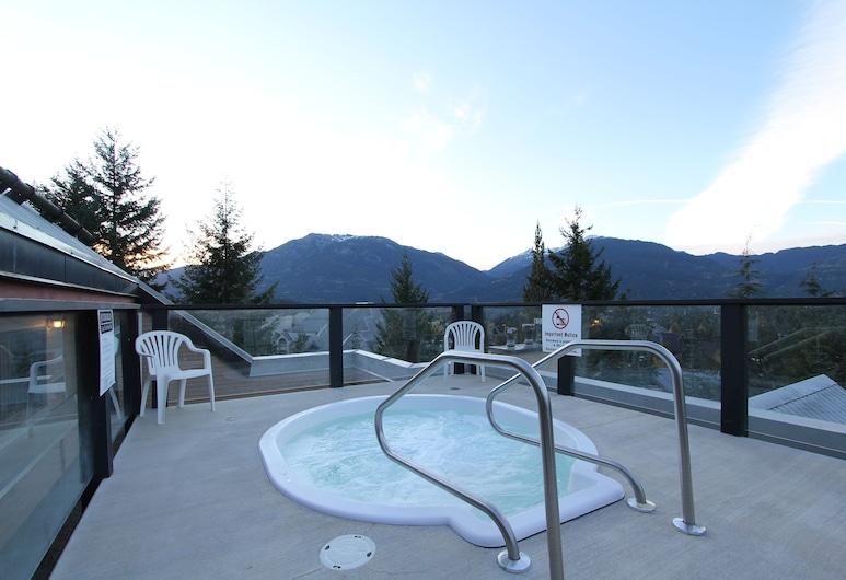 Powderhorn Condos by Whistler Retreats, Whistler, Outdoor Spa Tub
