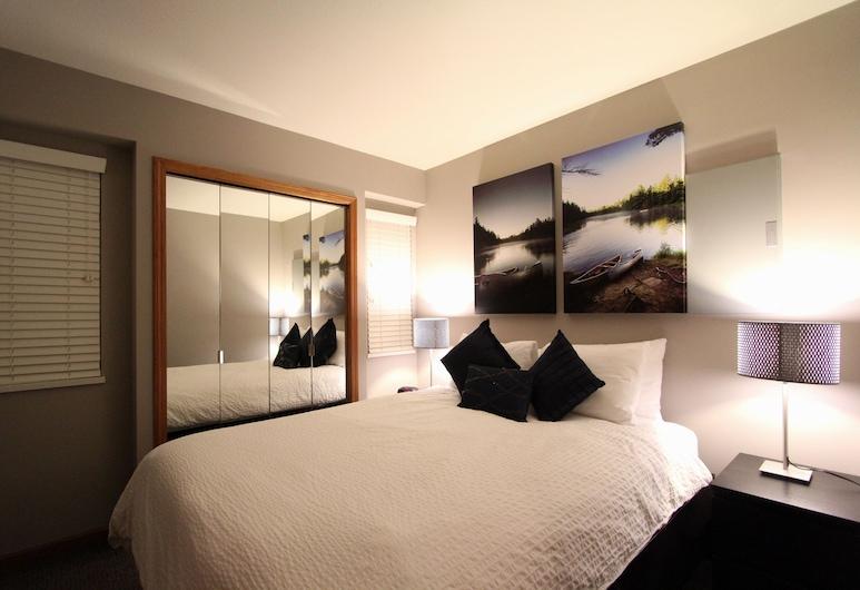 Sunpath Condos by Whistler Retreats, Whistler, Signature Condo, 3 Bedrooms, Hot Tub, Room