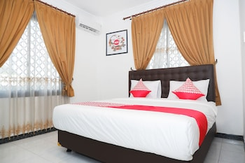 Picture of OYO 1136 Hotel Surya Solo in Surakarta (and vicinity)