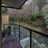 منزل عائلي - ٤ غرف نوم - شُرفة
