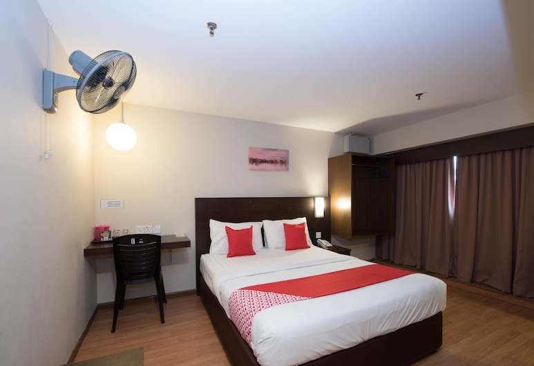 OYO 89421 PP Island Hotel, George Town, Deluxe Double Room, 1 Queen Bed, Guest Room