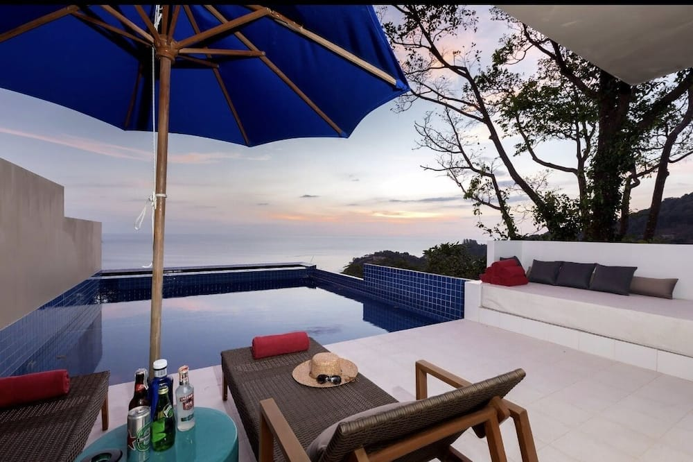 Ocean View Deluxe Suite 421 - Private pool