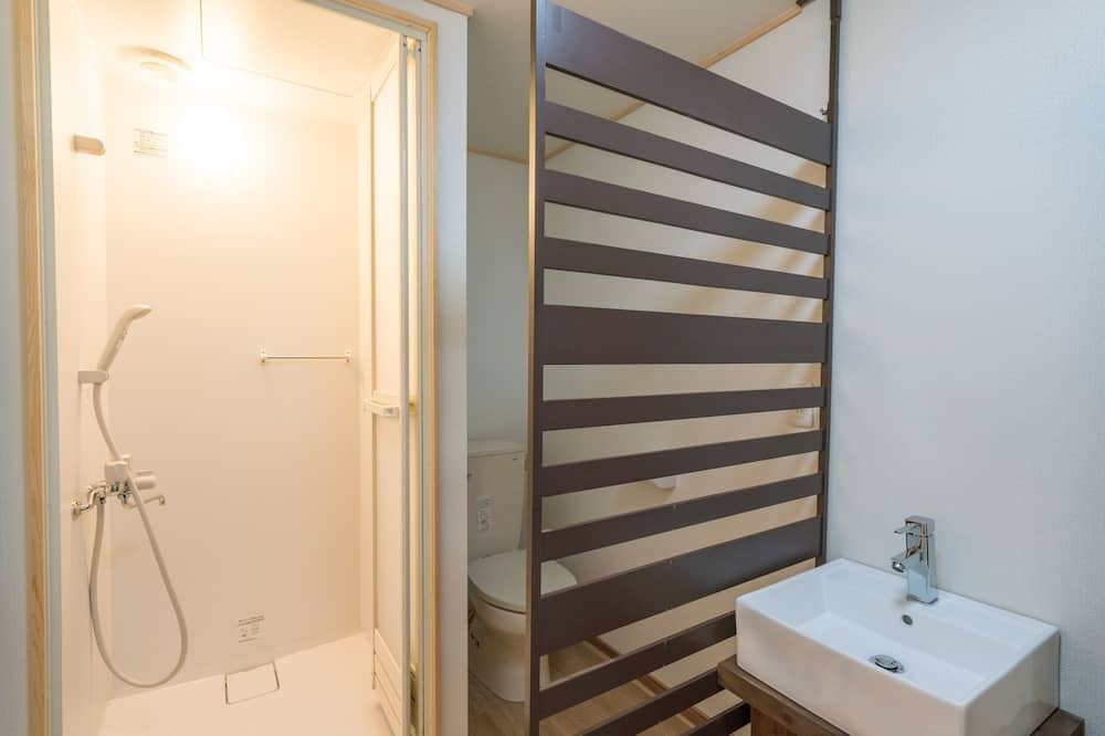 Quarto, Quartos Comunicantes (with Private Shower & Toilet) - Casa de banho