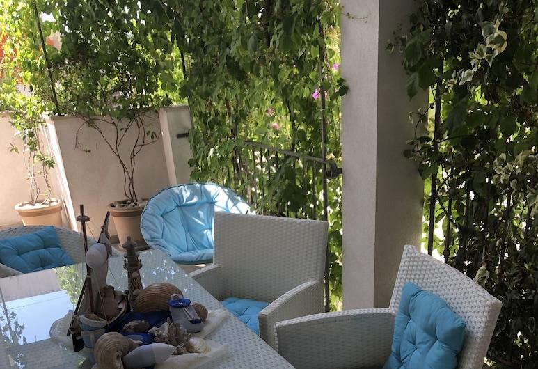 Casa di Lavanda, Hvar, Comfort Apartment, 2 Bedrooms, Balcony, Terrace/Patio
