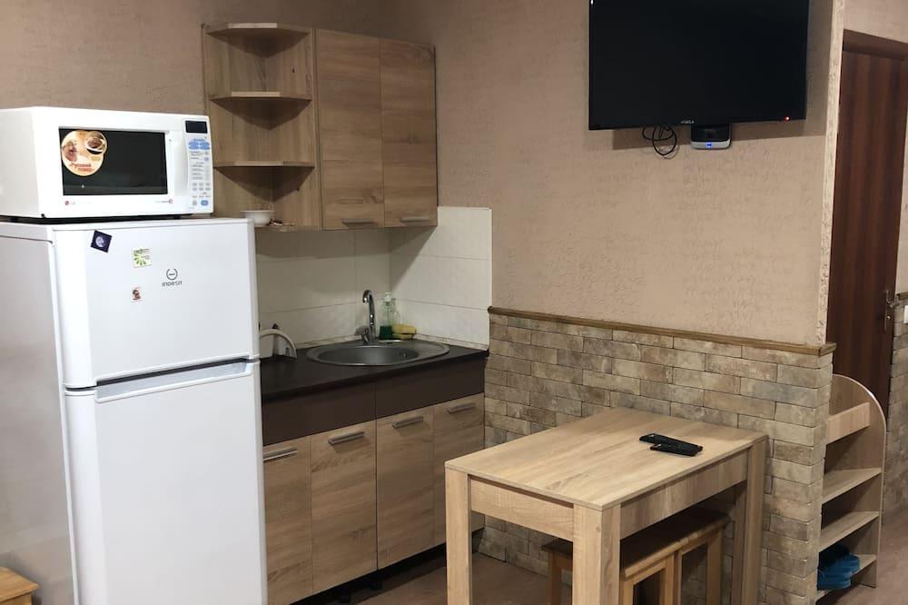 חדר מעונות משותף, נשים בלבד (6 beds) - מטבח משותף