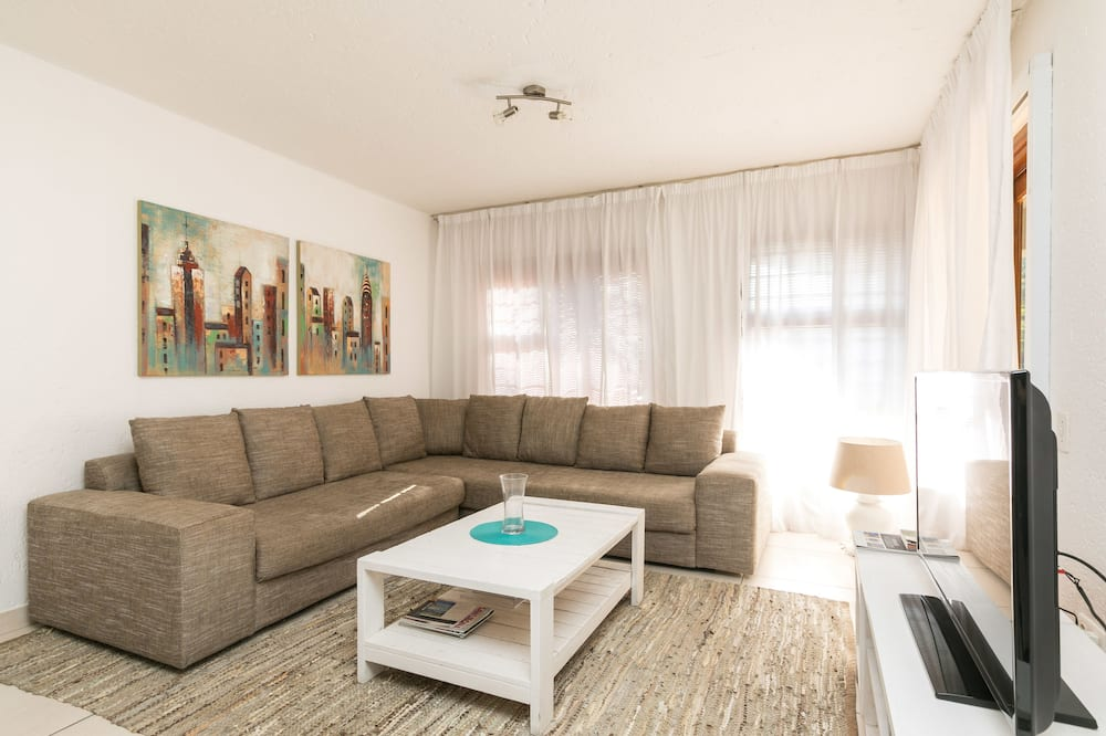 Căn hộ tiện nghi đơn giản - Khu phòng khách