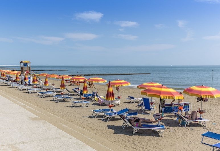 Condominio Holiday, Caorle, Beach