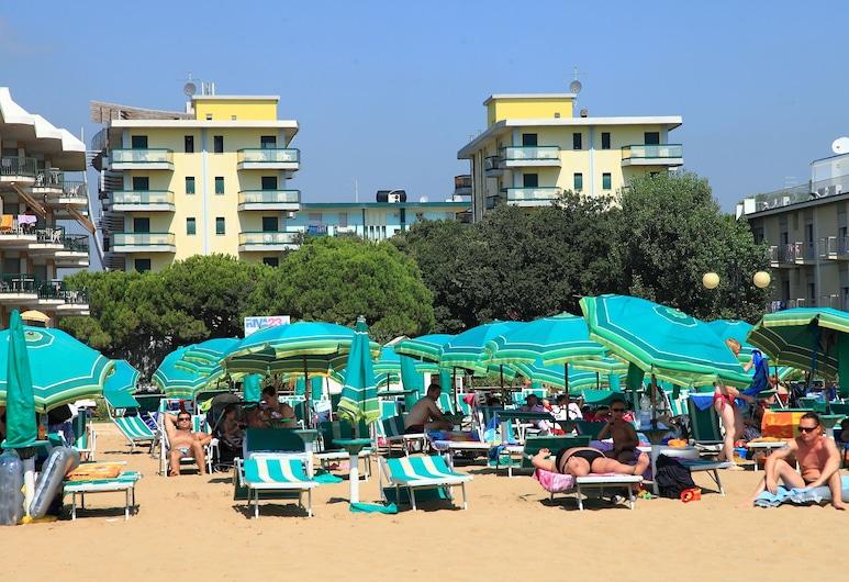 Residence Costa del Sol, Jesolo, Beach