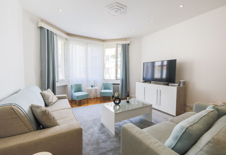 Palais Promenade AP4166 by Riviera Holiday Homes, Nice
