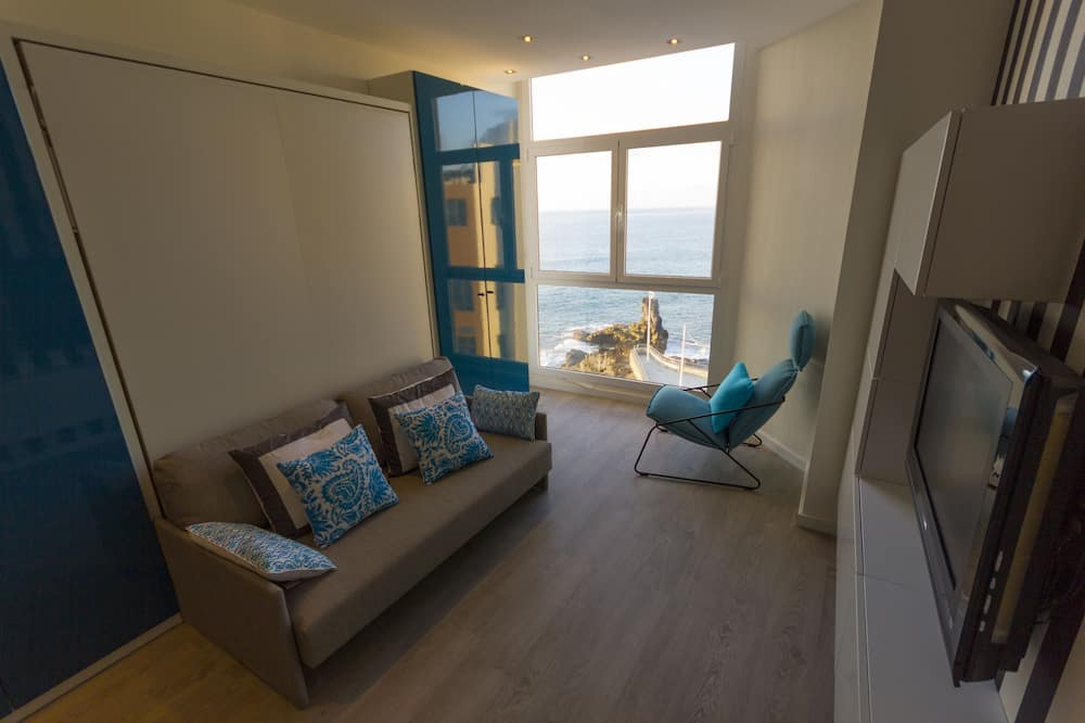 Panoramic Studio Suite, Sea View - Living Area