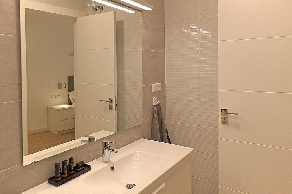 Apartmán, 2 spálne - Kúpeľňa