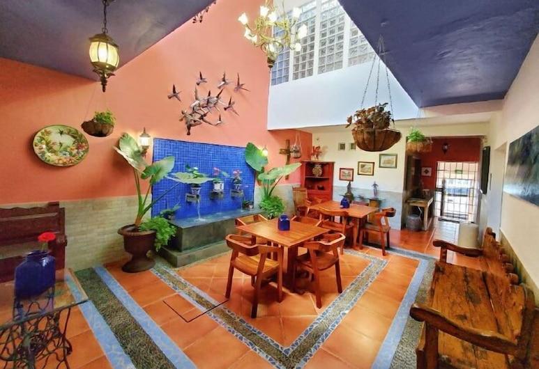 Casa Alfareros, Tlaquepaque, Terraza o patio