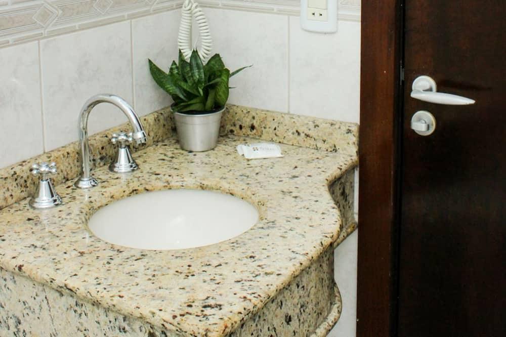 Luxury Apartment, 1 Double Bed - Bathroom