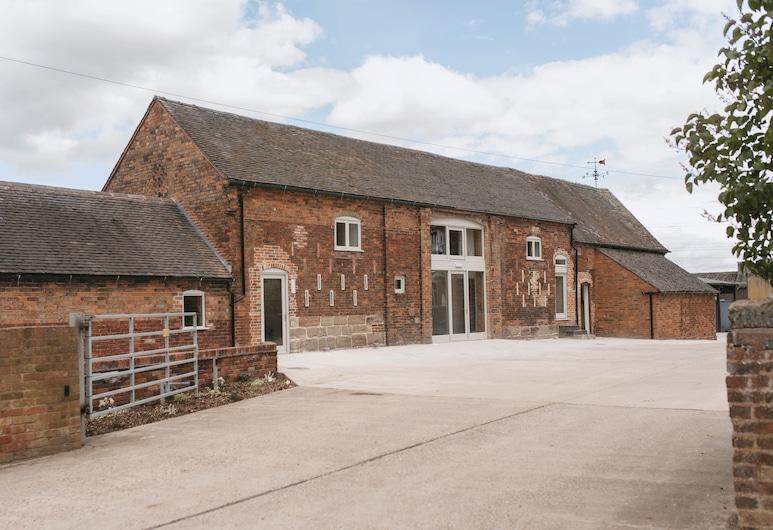 Tuppenhurst Barn, Rugeley