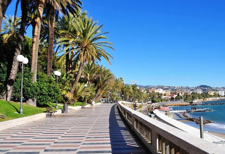 Apartment With one Bedroom in Sanremo, With Furnished Terrace, Sanremo, Garden
