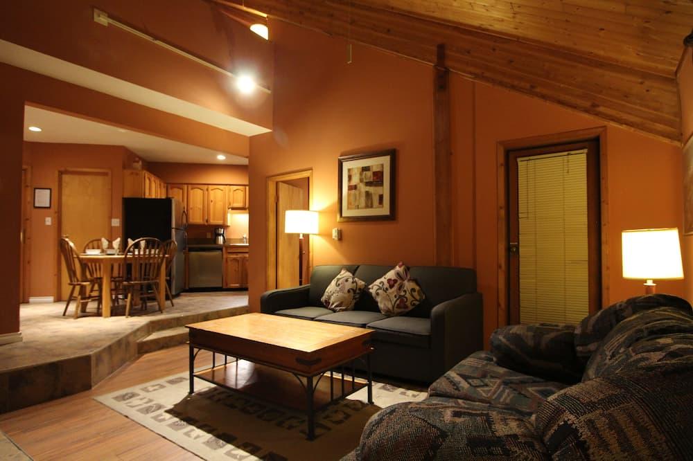 Standard Loft, 2 Bathrooms, Courtyard View - Living Area