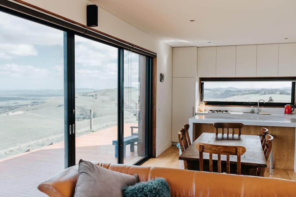360° - Living Area