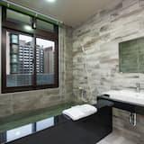Quadruple Room (805) - Bathroom