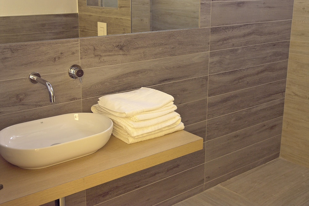 Doppelzimmer (Queen) - Badezimmer