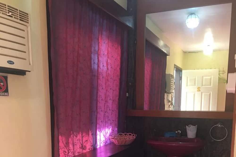 Pokój Deluxe - Umywalka