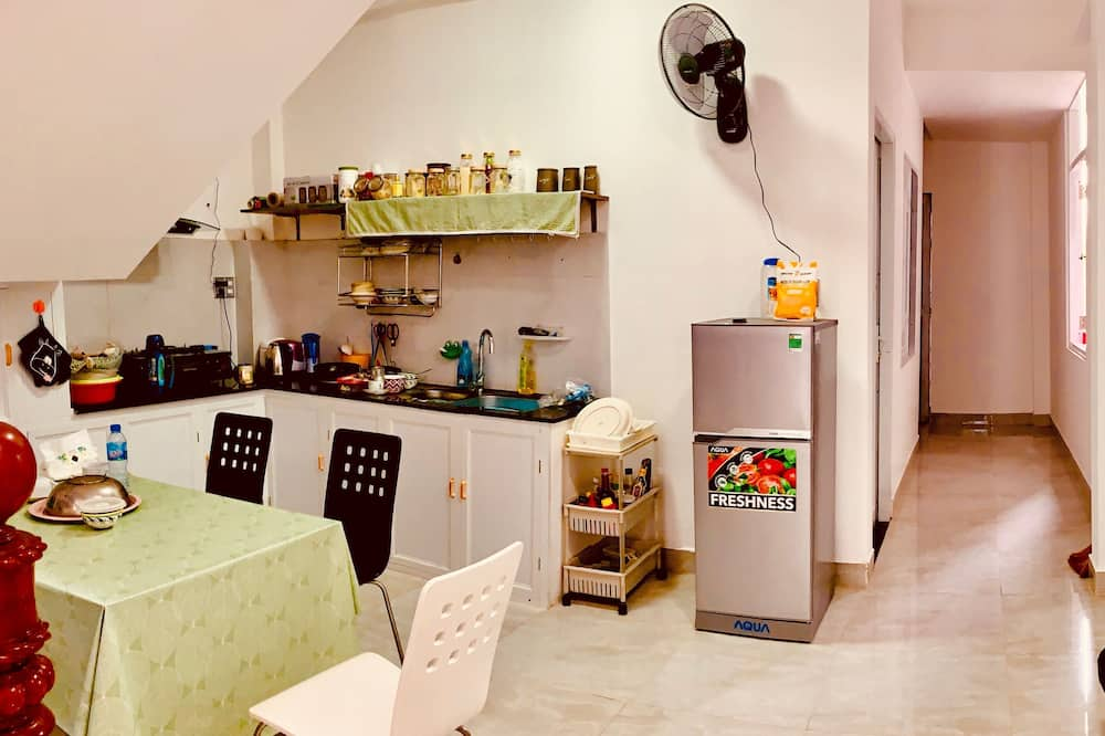 Deluxe Double Room, Balcony - Shared kitchen