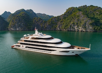 Picture of Scarlet Pearl Cruises in Halong