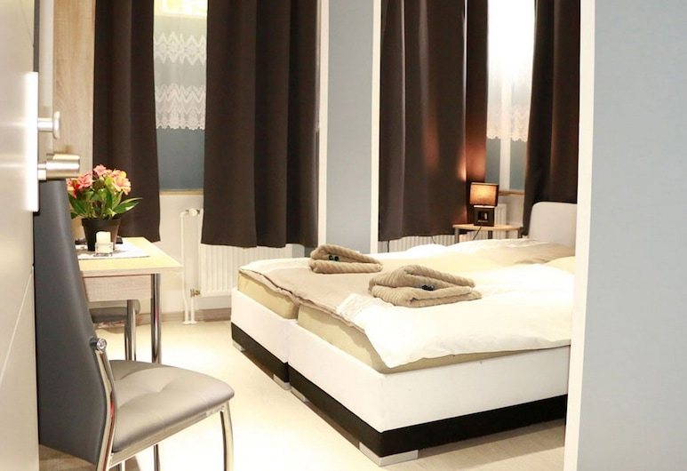 Amaya Motel, Berlin, Basic-Doppel- oder -Zweibettzimmer, Gemeinschaftsbad, Zimmer