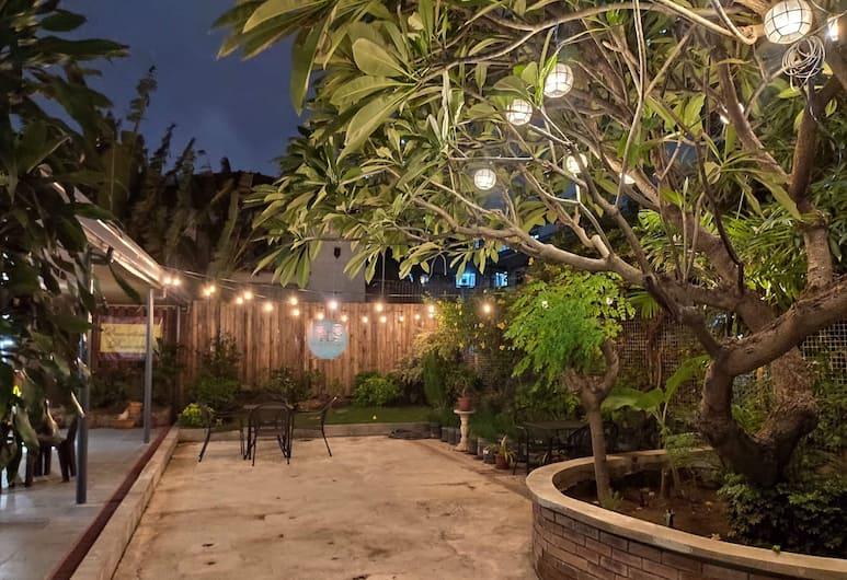 The Hub District Garden Suites, Pasay, Teras/Veranda