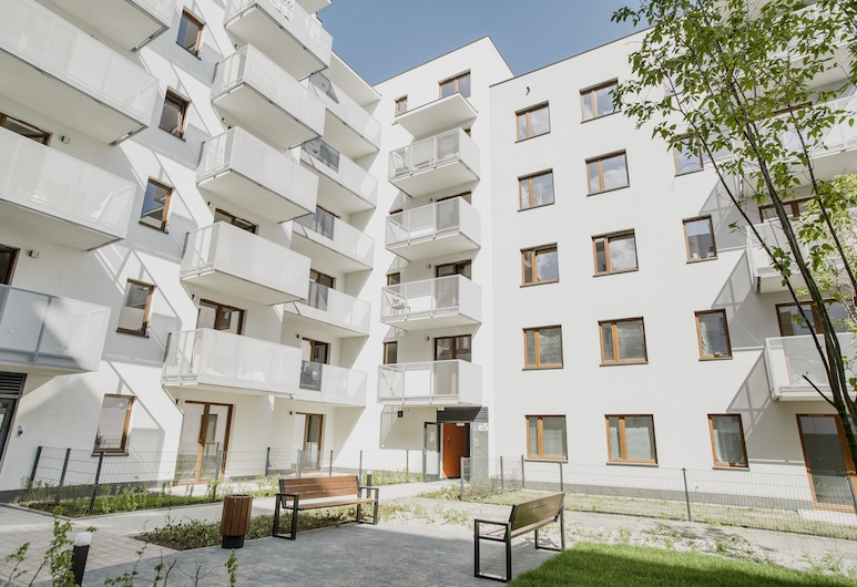 Prudentia Apartments Szaserow, Warszawa, Front obiektu